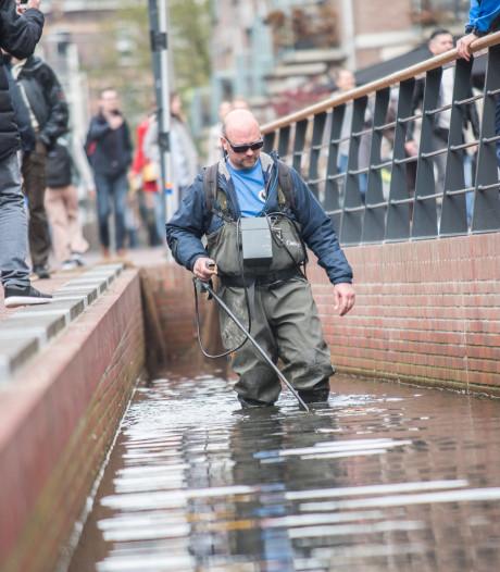 Arnhem overweegt actie tegen snel groeiend aantal goudvissen in Jansbeek
