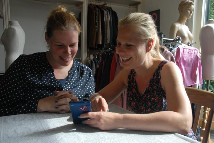 Anita Govaerts en Tamara Marks zijn actief voor Warm Buffet, een initiatief van Lizette Schiltmans.