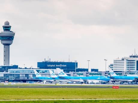 Nijmeegse stikstofstrijder opent aanval op Schiphol: '20 procent vluchten illegaal'
