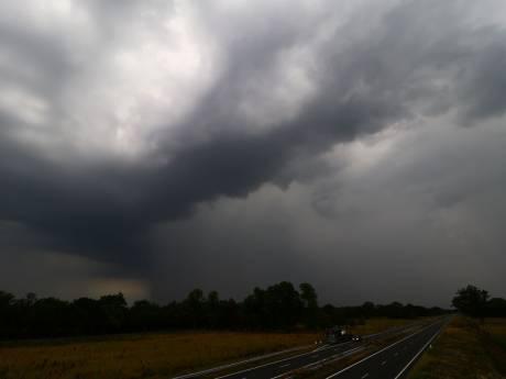 Eindelijk verkoeling: buien trekken over Twente