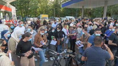 """Honderden vrijwilligers zoeken half Antwerpen af naar vermiste Ilias (12): """"De ochtend voor hij verdween was hij zijn zus nog aan het plagen"""""""