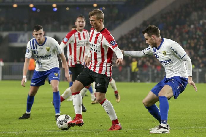 Albert Gudmundsson maakte als invaller een frisse indruk bij PSV.