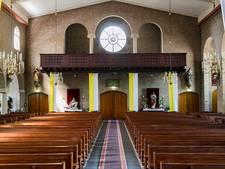 Meer rust in Veldhovense kerk door andere inrichting