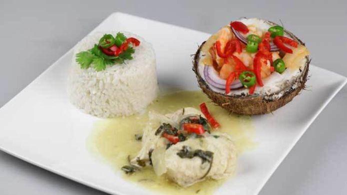 Witvisschotel met kokosrijst