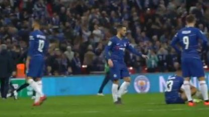 Camera op Eden Hazard na verloren penaltyreeks én keepersklucht, zijn reactie toont dat hij niet zomaar aanvoerder van Rode Duivels is