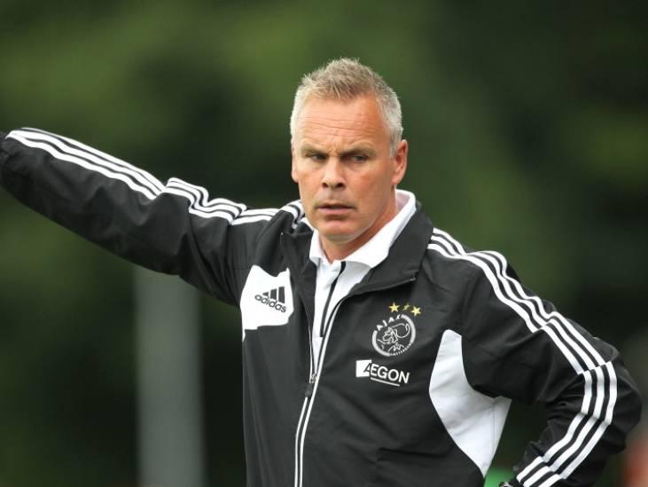 Willem II in gesprek met trainer Gery Vink