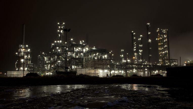 BP olieterminal en raffinaderij in Rotterdam. Beeld anp