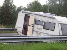 Auto botst tegen caravan bij Best, A2 tussen Den Bosch en Eindhoven weer open
