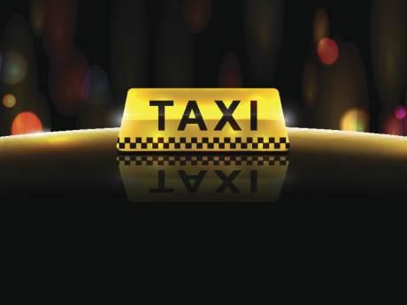 Een mes op de keel en beroofd, maar Tilburgse taxichauffeur rijdt dag later al weer rond: 'Er zijn ook goede mensen op de wereld'
