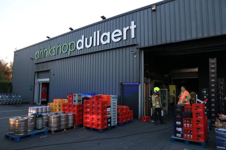 Bij Drinkshop Dullaert ontstond een brandje aan een elektriciteitskast in het magazijn.