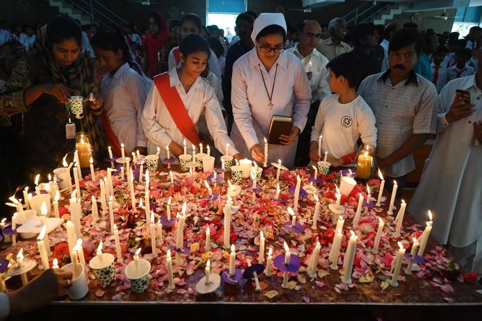 Een herdenkingsbijeenkomst voor de slachtoffers