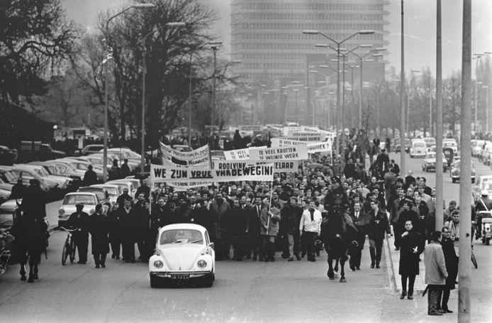 De grootste naoorlogse demonstratie op 2 april 1968 start bij het Malieveld.