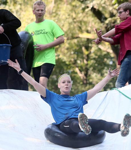 Graaf Obstacle Run Lochem trekt ruim driehonderd deelnemers