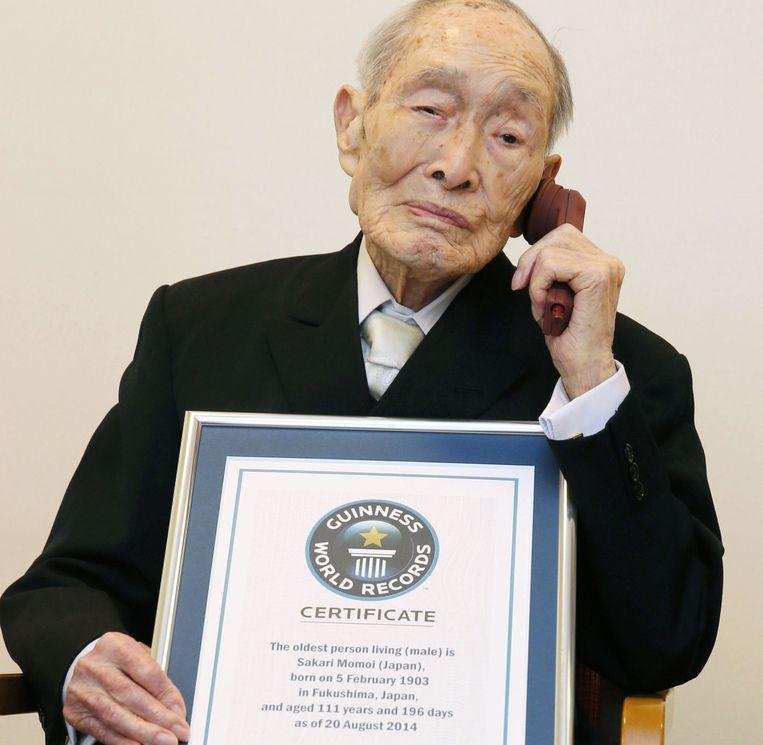 De oudste man ter wereld: de Japanner Sakari Momoi (111 jaar).