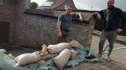 """Bewoners wijk Tumkensberg willen dat nieuw bestuur wateroverlast aanpakt: """"Graag een collector en dikkere buizen"""""""