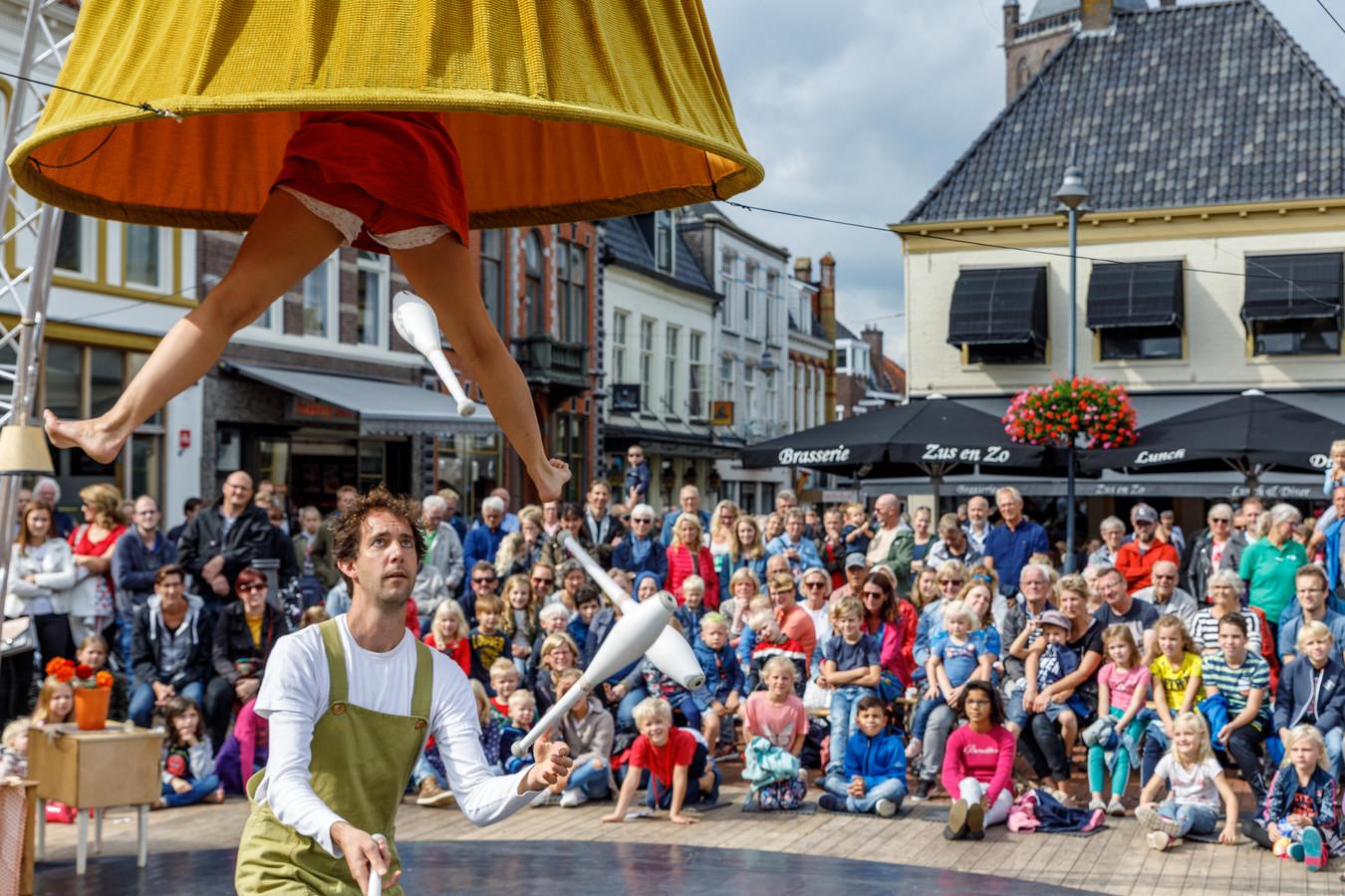 Publiek geniet massaal van Kopje Cultuur in Steenwijk.