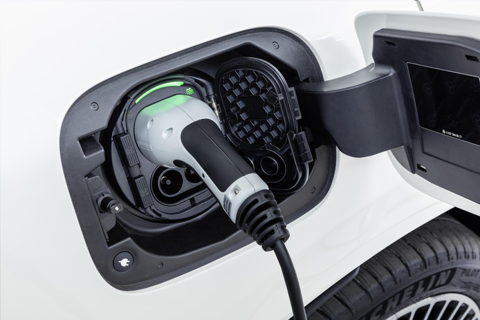 Met volle batterijen zou de EQC 400 km moeten kunnen rijden.