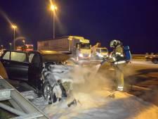 BMW brandt volledig uit op A2 bij Nieuwegein