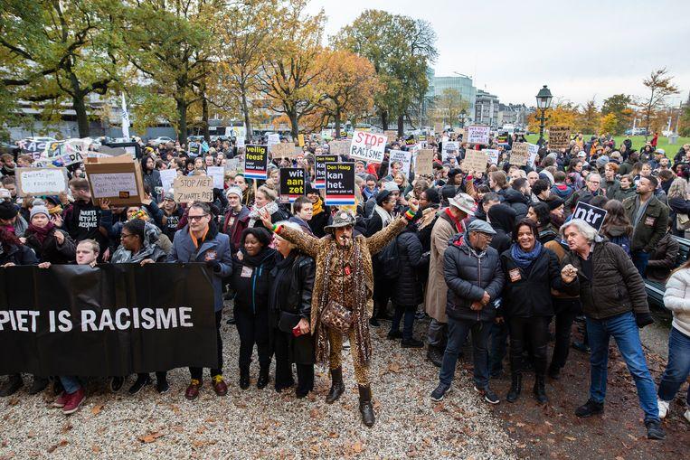 Demonstratie van Kick Out Zwarte Piet op het Malieveld Den Haag. Beeld null