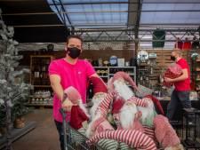 De ballen kunnen bij Tuinwereld Malden de dozen in: 'Na 19 januari denkt niemand meer aan Kerstmis'