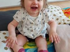 """Met baby Pia gaat het beter dan ooit, maar mama Ellen is kritisch voor ministers De Block en Beke: """"Veel beloftes, maar nog weinig van in huis gekomen"""""""