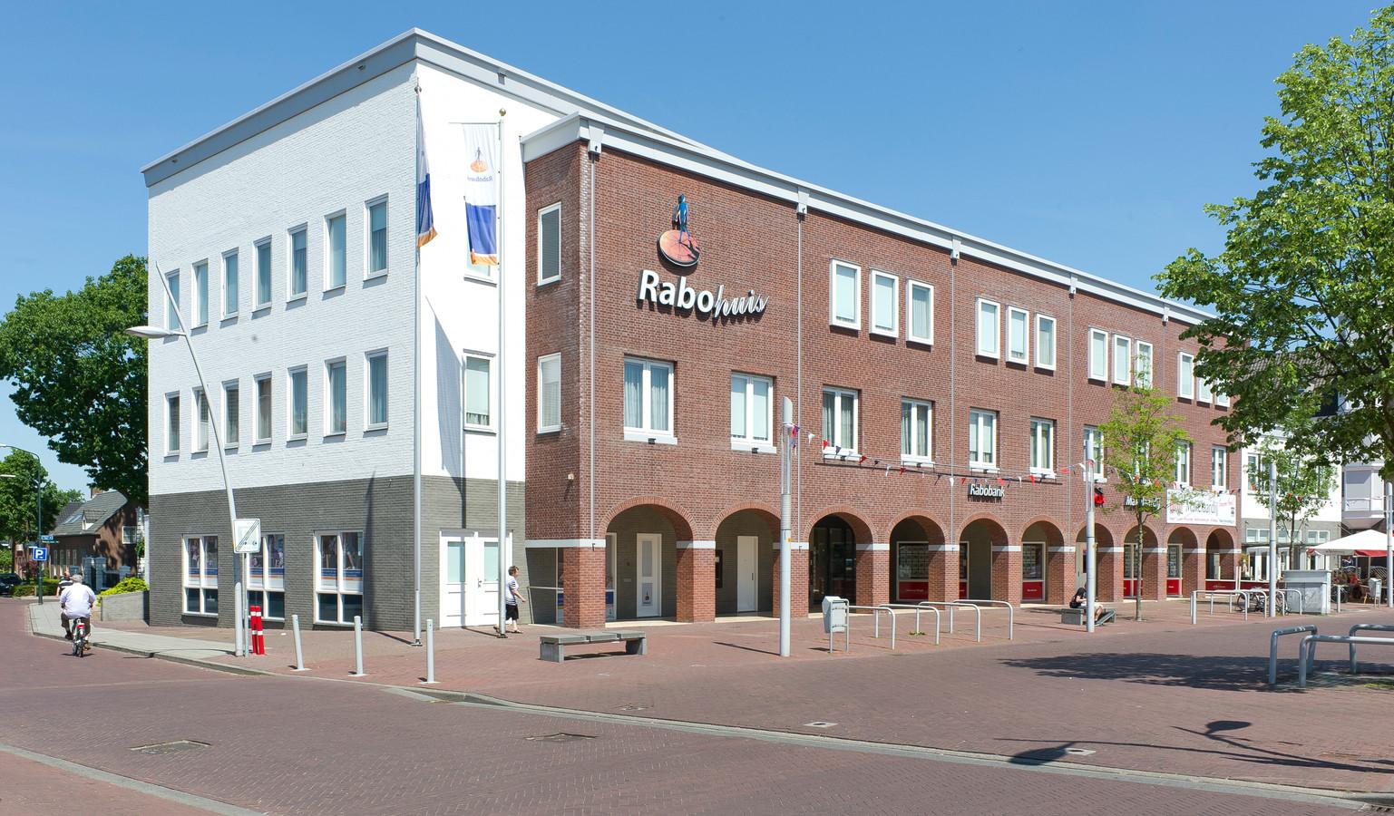 Het gebouw van de Rabobank aan de Markt in Bladel.