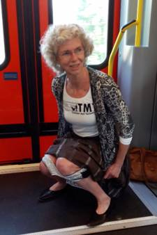 Actievoerder plast in trein uit protest tegen gebrek aan toiletten