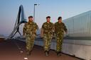 Sergeant majoor Gerardus, majoor Mattijs en sergeant majoor Mark op De Oversteek.