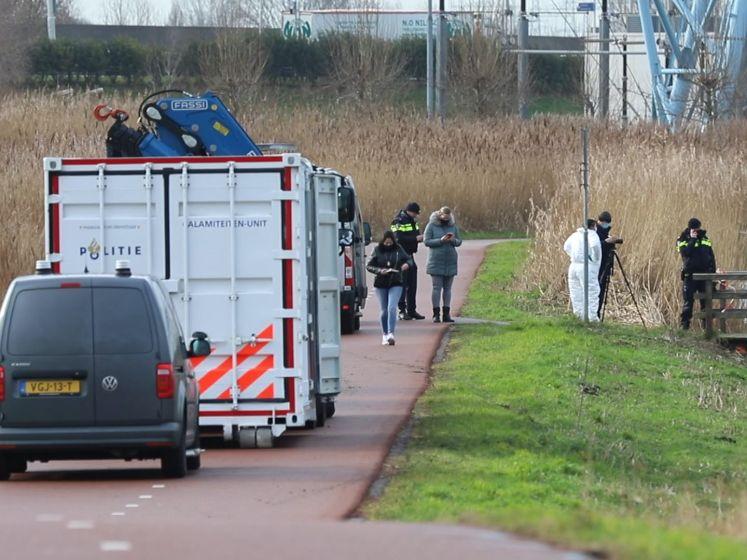 Overleden persoon gevonden langs Molenwetering in Rijswijk