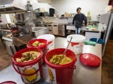 Uitdelen gratis snert in Den Ham loopt uit op ziekenhuisbezoek