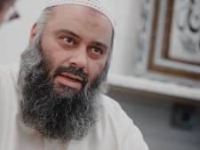 LIVE | Imam van alFitrah botst al na enkele minuten met commissie tijdens verhoor