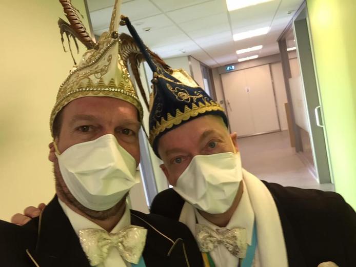 In 2017 ging prins Pier XXXXXV van de Pierewaaiers met zijn adjudant nog langs in het ziekenhuis