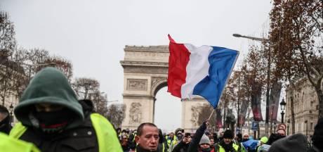 Franse politie slaat 25 'gele hesjes' in de boeien