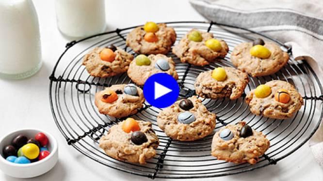 Bijna too cute to eat: vrolijke chocoladekoekjes met gekleurde snoepjes