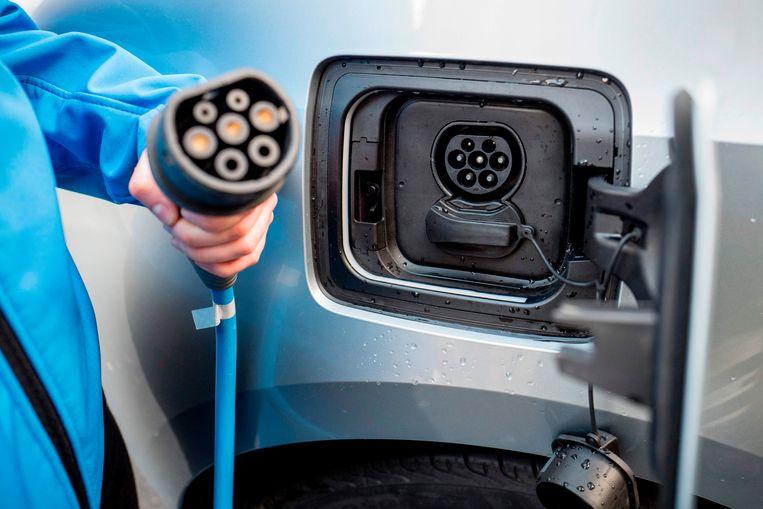 Een oplaadkabel voor een elektrische auto.