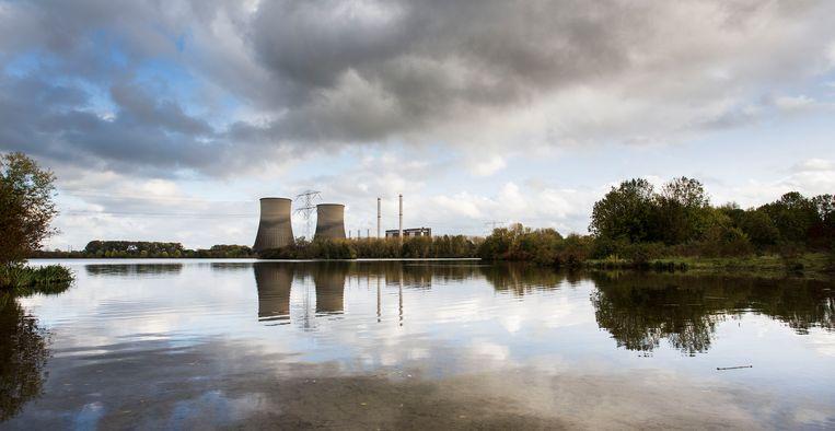 De Belgen zijn met name bang voor de windloze weken met bewolking, waarin er niet genoeg energie wordt opgewekt via groene centrales. Beeld Arie Kievit