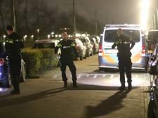 Bewoonster hoort knallen, politie zoekt naar kogelhulzen