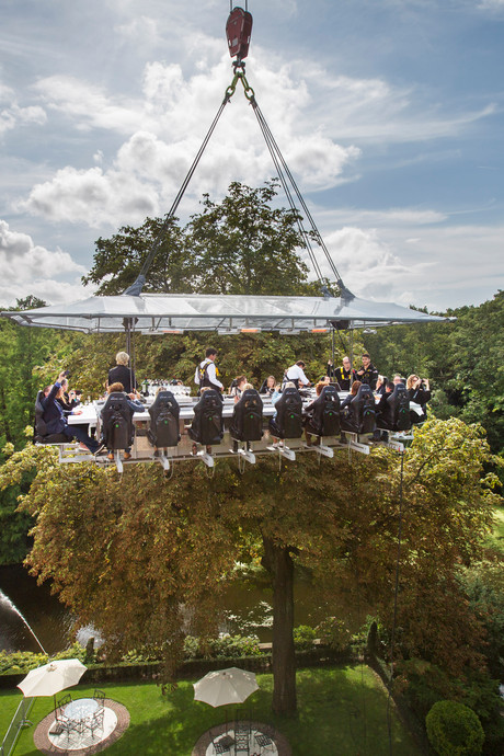 Happen op hoogte met Dinner in the Sky