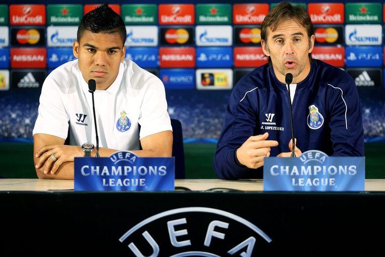 FC Portos coach Julen Lopetegui (R) en speler Casemiro (L). Beeld ANP