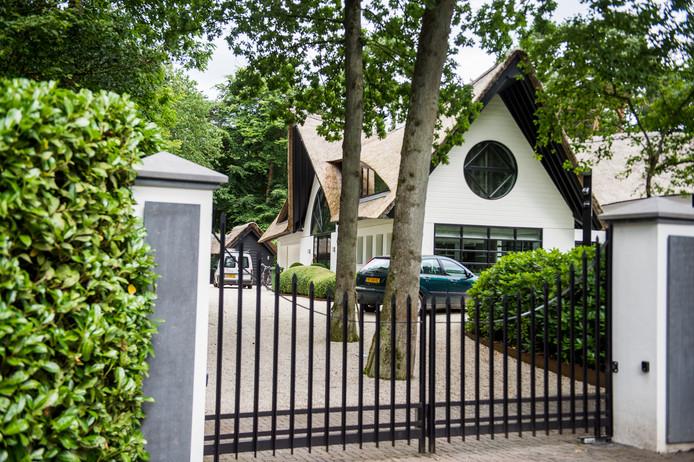 Een huis in Laren dat ook als set diende voor Gooische vrouwen.