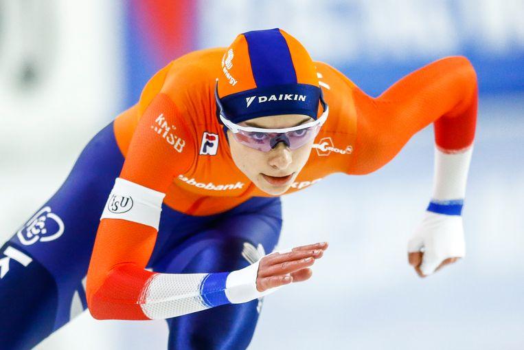 Femke Kok in actie tijdens de 500 meter  op de tweede dag van de ISU EK Afstanden in Thialf, Heerenveen. Beeld ANP