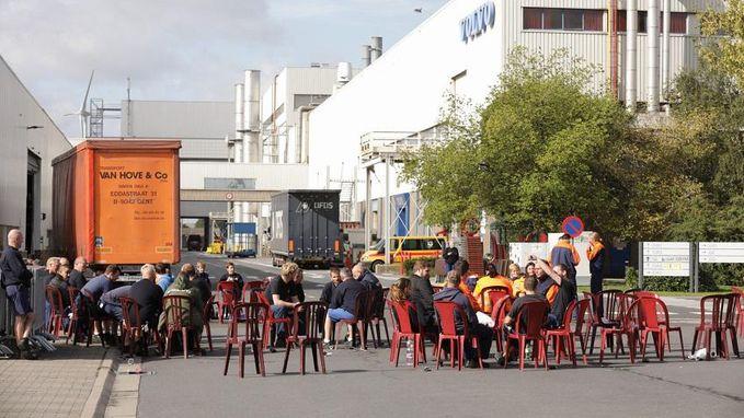 Arbeiders Volvo Cars Gent leggen spontaan werk neer