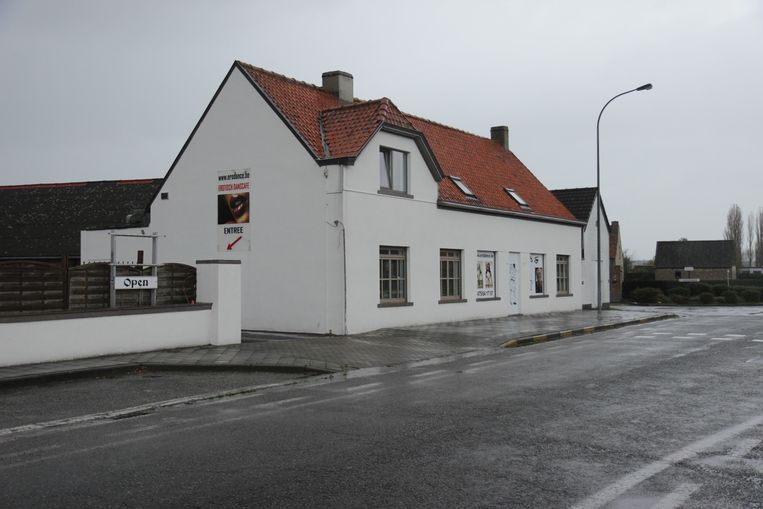 De Ice Bar, nu de Erodance, op de Oudenaardseheerweg waar de gangbangs plaatshadden.