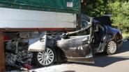 Automobilist komt levend uit deze crash op E34