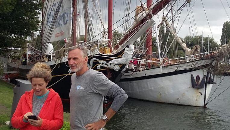 Edwin en Liesbeth ter Velde die met een zelfgemaakt voertuig naar de zuidpool gaan Beeld Bart van Zoelen
