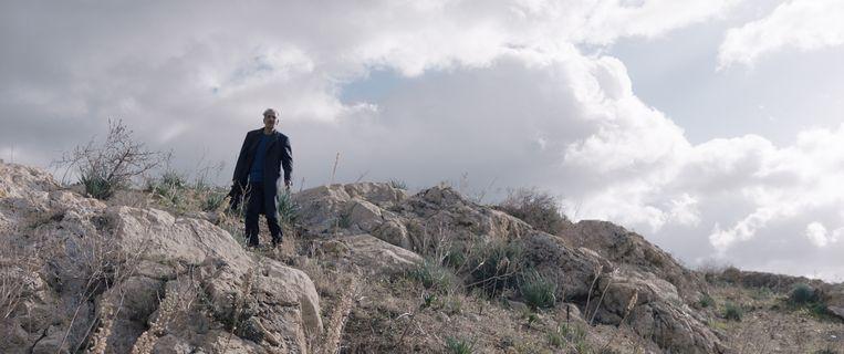 null Beeld Mohamed Dhrif als vader Riadh, die een wanhopige zoektocht naar zijn zoon begint.