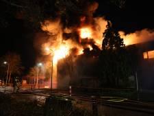 Brand in Kampen onder controle, nablussen gaat nog een tijd duren