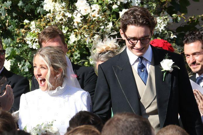 Zangeres Ellie Goulding en haar man Caspar Jopling op hun trouwdag.