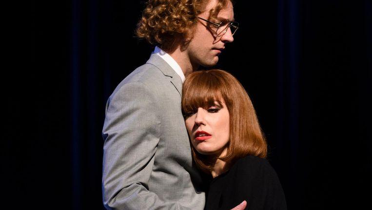 Renée van Wegberg is in haar rol van chansonnière Liesbeth List de held van de avond Beeld Roy Beusker
