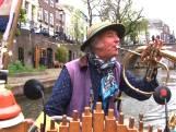 Reinier speelt Matthäus-Passion vanaf zijn bootje